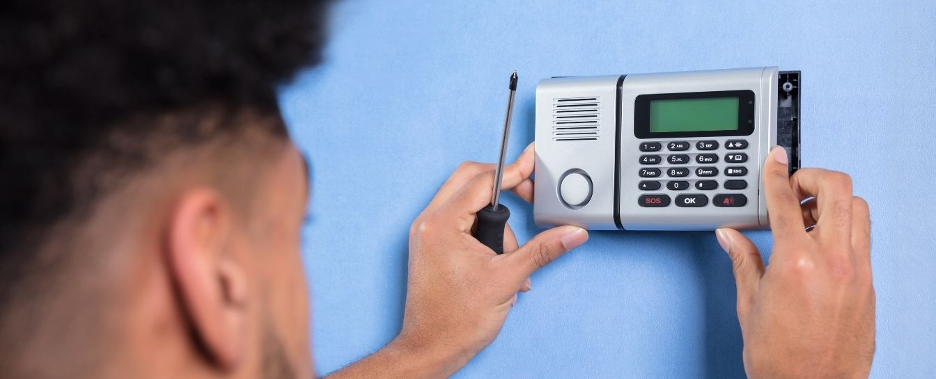 Electronic safe system installation