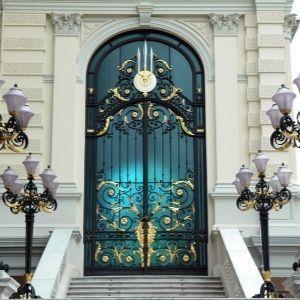 Glass Door Fabrication Service in Abu Dhabi